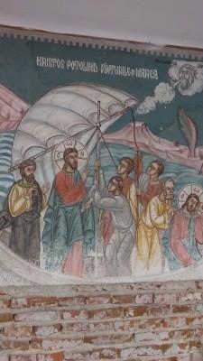 """""""Hristos potolind vinturile si marea"""" - pictura pe una din chiliile Manastirii Cernica"""